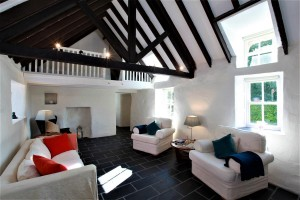 St Awaries Cottage | Living room
